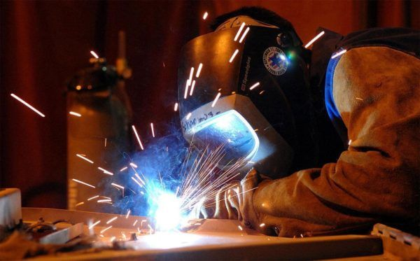 Worker Welding made in USA